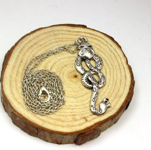HP Death eater pendant 2